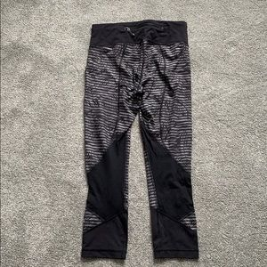 lululemon athletica Pants - lulu cropped leggings